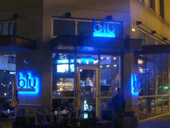 blu-club-signage