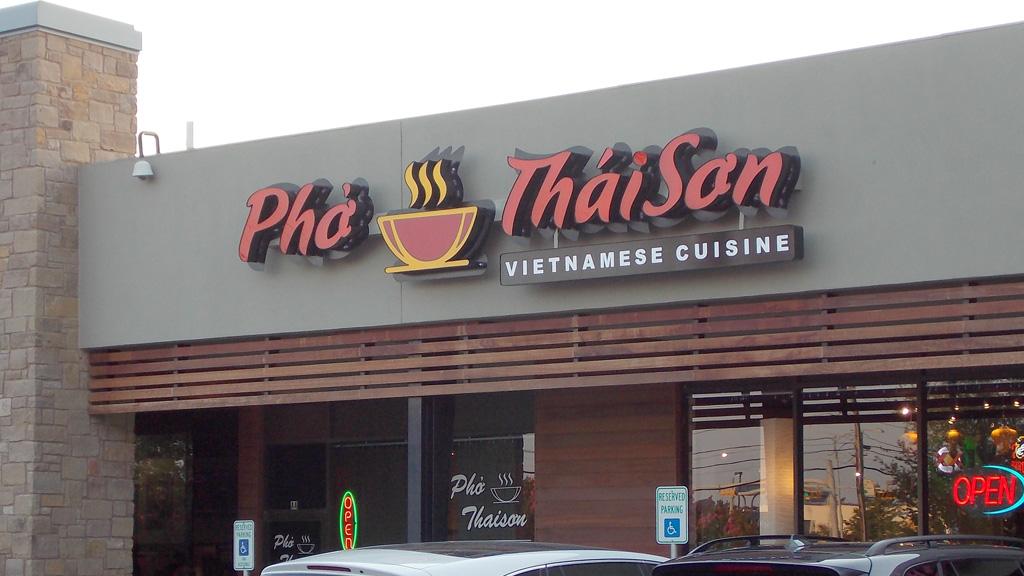 pho-thai-son-restaurant-signage