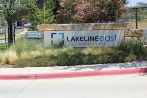 Lakeline east sign