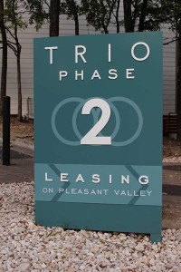 Trio sign